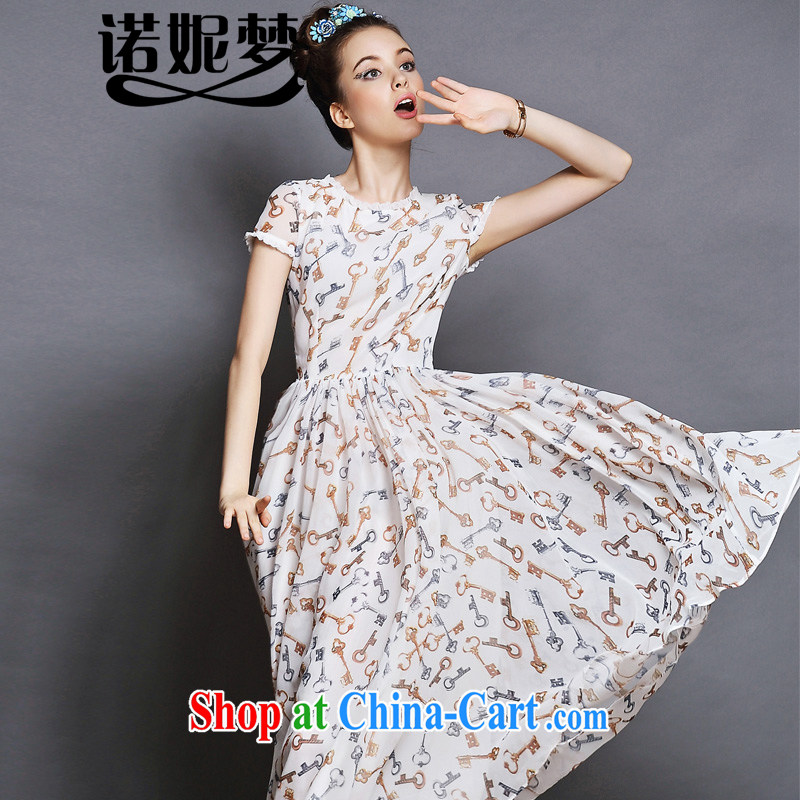 Connie's dream European and American high-end summer dresses and indeed XL female 2015 summer new noble palace antique key stamp short-sleeved long skirt G 106 white XXXL