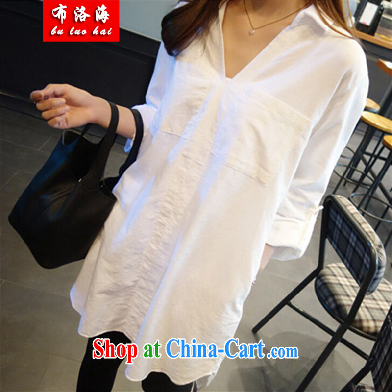 The sea 2015 spring and summer with new Korean loose the Code women in long, loose shirt long-sleeved V for larger version shirt women 5109 white L